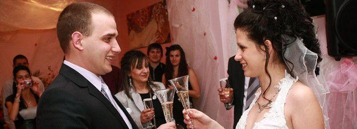 Историята на една весела сватба в ресторант Симона