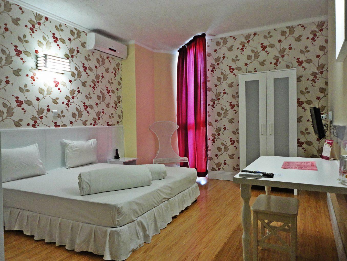 Обновената стая 302