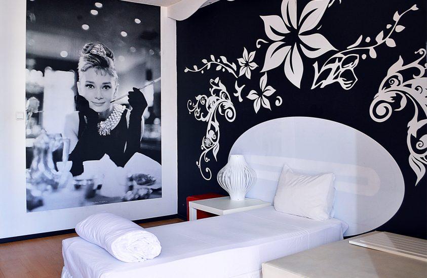 Тройна стая 609 в Арт Хотел Симона, София
